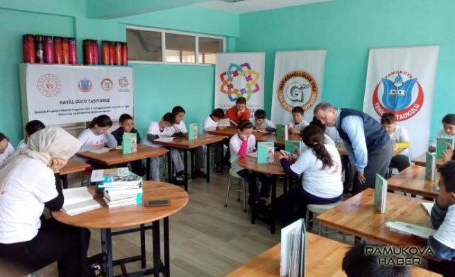 Pamukova Yenice Ortaokulunda Mehmet Akif anıldı