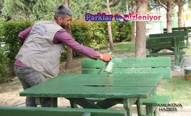 Pamukova Parkları Bayram öncesi temizleniyor.