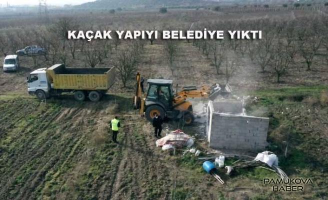 Belediye Kaçak Yapıları Yıkmaya başladı.