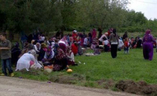 Özbek köylüleri dayanışma kaynaşma pilavında buluştular