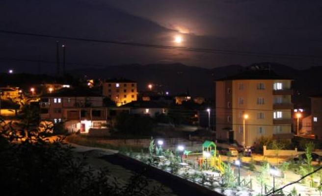 Pamukova da bir gece görüntüsü.