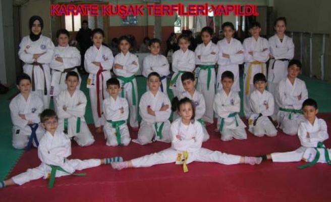 Pamukovalı 21 Karateci bir üst kuşağa terfi etti.