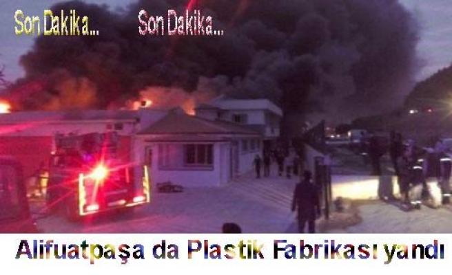 Plastik Fabrikasında çıkan yangın korkulu anlar yaşattı