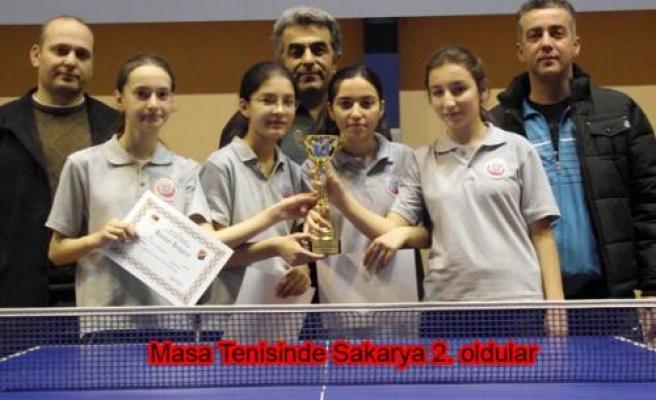 Yıldız Kızlar da Elbirlik Orta Okulu Masa tenisinde Sakarya 2. oldu