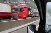 Yağışlı Hava Boğazda trafiği tek taraflı durdurdu.