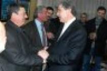 Ak Parti Milletvekili adayı Ekrem Yüce Pamukova'yı ziyaret etti.