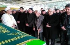 Nuri Karabacak eşini, Oğuzhan ise biricik annesini kaybetti.