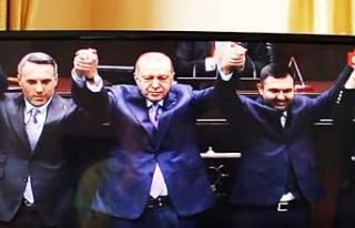 Güven Övün'e Recep Tayip Erdoğan Parti Rozetini...