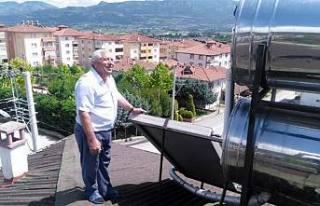 Pamukova'da güneşi tutan adam Ahmet Kazan.