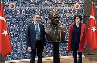 Muhteşem Türkler Merkel'den Liyakat nişanı...
