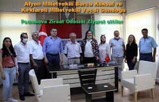 CHP li Milletvekilleri Pamukova da vatandaşları...