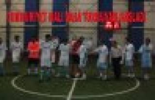 Cumhuriyet Kupası Hal Saha maçları başladı.