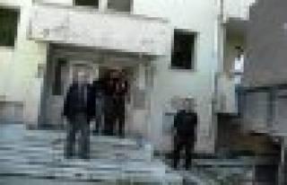 Devlet hastanesi lojmanları yıkımı başladı