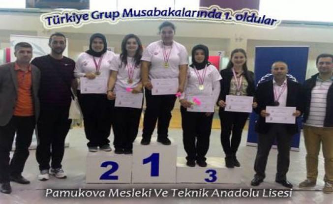 Pamukova Mesleki Teknik Anadolu Lisesi sporda bölge şampiyonu oldu.
