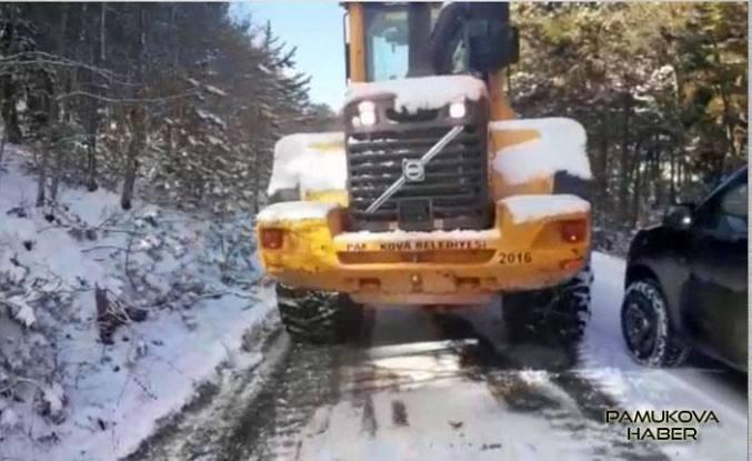 Pamukova köy yolları ulaşıma açıldı.
