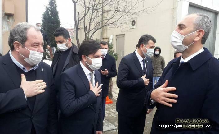 Adalet Bakanı Gül Sakarya'ya geldi.