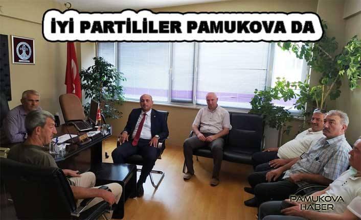 İYİ Partiden Pamukova ziyareti.